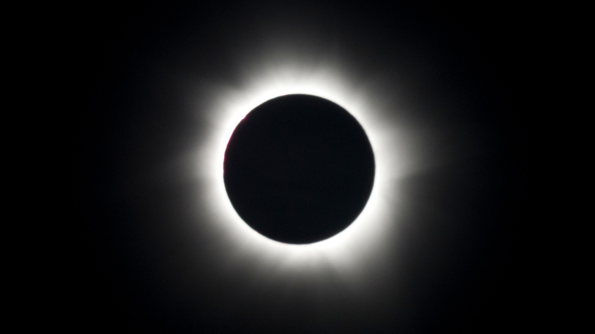 How Dark Will It Get During the Solar Eclipse 2017?